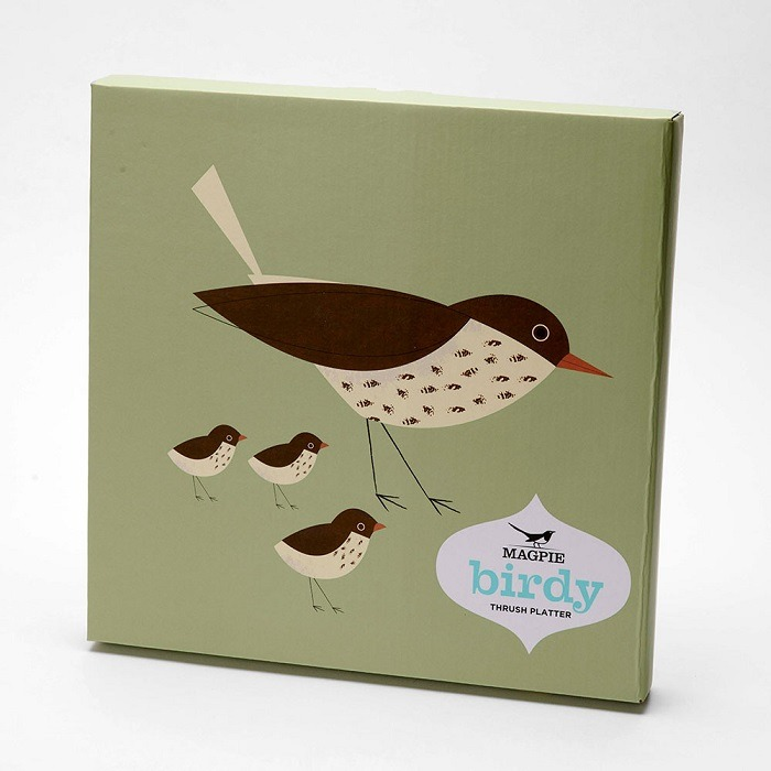 olive green thrush platter box showing brown and cream bird with chicks